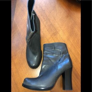 """Kork-Ease """"Vallery"""" grey leather boots"""